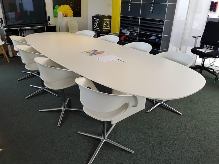 Walter Knoll Konferenztisch mit Stühlen