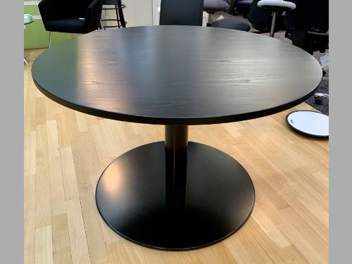 quer_Konferenztisch schwarz_rund
